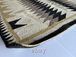 ANTIQUE Navajo Rug Native American Indian Weaving VTG DAZZLER Pattern 46x36