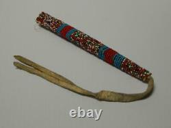 Antique Vintage Crow, N. Plains Indian Perlée Poinçon Cas Sewn Coeurs Blancs Tendon