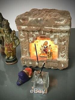 Antique / Vintage Indien Gres Niche. Murale De L'huile Ou Ghee Lamp. 19 C
