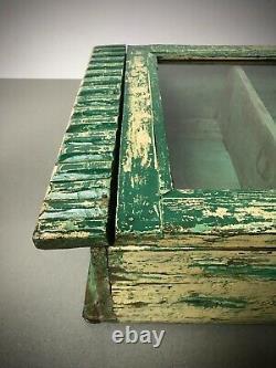 Armoire Indienne Antique De Cru. Émeraude Et Vanille, Art Déco. Affichage, Salle De Bains