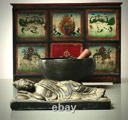 Bouddha Inclinable Bouddhiste Indien Vintage De Nirvan. Katmandou Népal. Doré