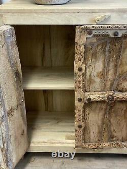 Buffet Old Doors De L'indien Vintage