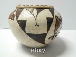 Grand Antique Vintage Acoma Indian Pottery Jar / Olla Form Pot Concave Base