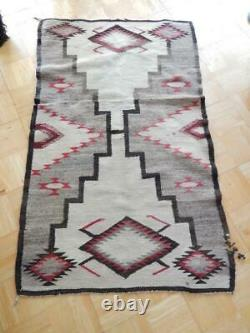 Grand Antique Vintage Navajo Indian Rug Blanket Weaving Storm Pattern Waterbugs