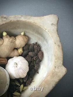 Karale En Marbre Antique. Mortier Indien Et Pilon, Taillé À La Main. Rajasthan. Vintage