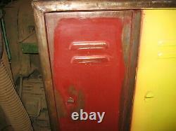 Une Unité Vintage Indian Metal Locker
