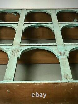 Unité D'affichage Arquée Indienne Vintage. Nine Classic Arch. Baby Blue & Eau De Nil