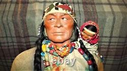 Vintage Antique Grande Skookum 33 Boutique Afficher Poupée Indienne Amérindienne