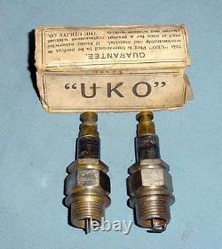 Vintage Antique Uko Modèle D 18mm Mica Motorcycle Spark Plugs Indian Excelsior