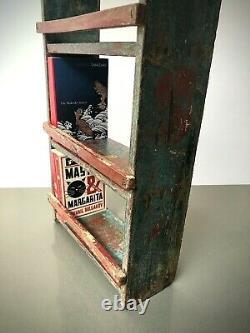 Vintage Indian Bookshelf Métal. Art Déco Vague Motif. Turquoise & Vanille