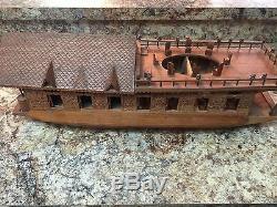 Vintage Rare Main En Noyer Sculpté En Bois Cachemire Inde Modèle Boat House